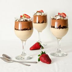 desert la pahar5 Mousse, Parfait, Panna Cotta, Cake Recipes, Alcoholic Drinks, Sweet Treats, Deserts, Food And Drink, Pudding