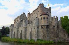 Castillo de los Condes, Gante © 123RF http://www.anayatouring.com/blog/2015/04/17/5-motivos-para-visitar-gante-una-ciudad-de-cuento-de-hadas/