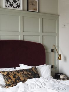 Cosy bedroom details - velvet head board and wood panelling Bedroom A cosy staycation at The Hoxton Southwark in London Home Bedroom, Bedroom Wall, Master Bedroom, Bedroom Ideas, Small Table And Chairs, Cosy Room, Decoration Bedroom, Minimalist Bedroom, Minimalist House