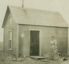Antique real photo postcard showing woman in front of her small claim farm house circa Photo Postcards, Vintage Postcards, Vintage Cards, Pioneer Life, Pioneer Women, Westerns, Vintage Soul, American Spirit, Old Soul