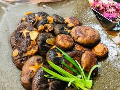 Japanese Butter Garlic Mushroom Fried Mushrooms, Garlic Mushrooms, Stuffed Mushrooms, Mushroom Recipes, Brown Mushroom, Miso Soup, Great Recipes, Fries, Kitchens