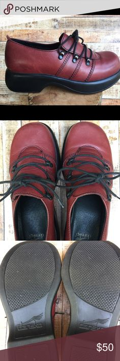 Dansko Claret. Gently worn with box. Size 37 Very comfortable and stylish. The maroon color goes with so much! Dansko Shoes