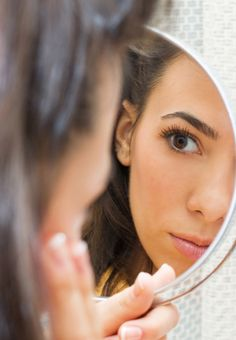 These helpful tips and tricks will help you try to minimize those pesky pores!