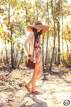 vestido|dress: Azevin cardigan: Goodnight Macaroon bracelets: Kafé chapéu|hat: Asos tênis|shoes: Kafé