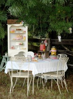 .love it shabby chic second birthday! I can feel it
