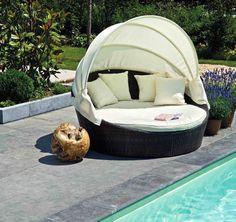 Loungebed voor in de tuin, hoe cool is DIT! Op de wensenlijst...