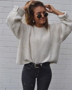 30 Fall Street Style Outfits To Try Right Now ootd / knit sweater and black skinny jeans Mode Outfits, Trendy Outfits, Fashion Outfits, Womens Fashion, Jackets Fashion, Outfits 2016, Jeans Fashion, Night Outfits, Fashion Boots