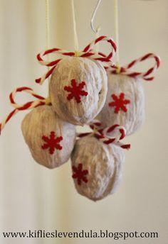 Díszek dióból- walnut ornaments DIY