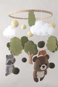 Baby Mobile Felt, Baby Crib Mobile, Felt Baby, Woodland Nursery, Woodland Mobile, Woodland Baby, Woodland Animals, Nurse Decor, Baby Room Themes