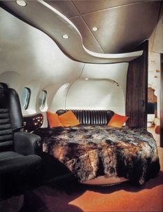 Rolls Royce, Jets Privés De Luxe, Murs Beiges, Jet Privé, Fur Bedding, Aircraft Interiors, Big Bunny, Mens Toys, Modern Design