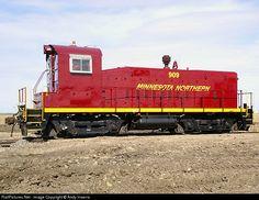 RailPictures.Net Photo: MNN 909 Minnesota Northern EMD SW8 at Crookston…