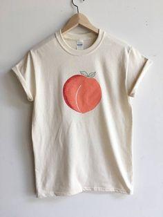 Peach T-Shirt Graphic Tee Food Shirt Screen Print Shirt Screen Printing Shirts, Printed Shirts, Color Durazno, Colorful Shirts, Shirt Style, Print Design, Graphic Tees, Shirt Designs, Cute Outfits