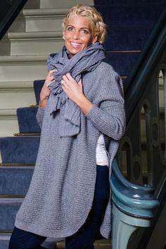 Barfota strikket genser mørk gråmelert