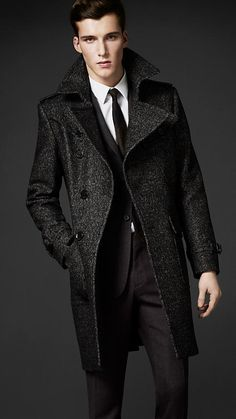 Shop Men's Burberry Long coats on Lyst. Track over 806 Burberry Long coats for stock and sale updates. Mens Fashion Wear, Men's Fashion, Tweed Coat, Belted Coat, Mens Style Guide, Burberry Men, Well Dressed Men, Madrid, Mens Suits