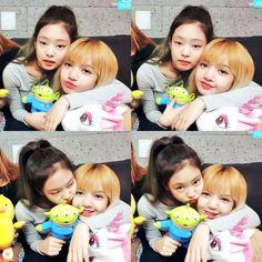 Jennie and Lisa kiyowo