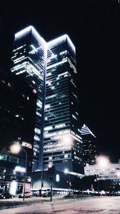 Downtown Montreal at night was just as beautiful Nightlife, Montreal, Skyscraper, Multi Story Building, Explore, Travel, Beautiful, Skyscrapers, Viajes