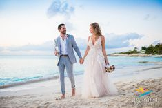 Beach wedding at windsong Beach Wedding Makeup, Beach Wedding Guests, Beach Wedding Photos, Beach Wedding Photography, Wedding Guest Book, Beach Weddings, Wedding Isle Runner, Wedding Isles, Green Fashion