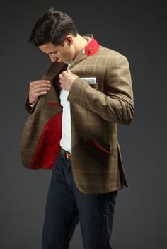 Interesting jacket. Not wild about the fabric itself, but the liner and style is fascinating