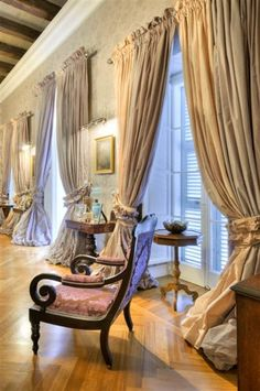 elegant drapes for my bedroom Curtains And Draperies, Valances, Bedroom Drapes, Home Interior Design, Interior Decorating, Style Français, Drapery Designs, Curtain Styles, Custom Window Treatments
