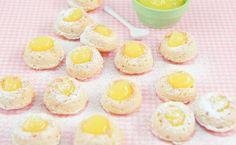 Epicure's Luscious Lemon Curd Doughnuts Mini Doughnuts, Diy Donuts, Baked Donuts, Kinds Of Desserts, No Bake Desserts, Dessert Recipes, Epicure Recipes, Baking Recipes, Eat Smart