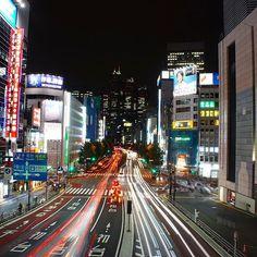 West Shinjuku. Looking toward the Park Towers in the business district from the walkway bridge at Shinjuku station. . . . #exploretocreate #theglobewanderer #welivetoexplore #agameoftones #moodygrams #discoverearth #earthpix #stayandwander #ourplanetdaily #welivetoexplore #awesomeglobe #natgeo #tripadvisor #artofvisuals #allaboutadventures #traveltoearth #explore #adventure #awesome #discoverglobe #wonderful_places #outdoorsjournal #funlifecrisis #globaldegree #shinjuku #tokyo…
