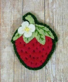 Leslie's Art and Sew: strawberry