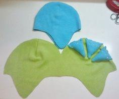 Un Cappello divertente con molte variazioni. Tutorial gratuito con immagini su come fare un cappello bambino in 13 passi da decorare e cucendo con feltro, feltro, e filo. Ispirato da dinosauri, i costumi e cosplay, e mostri. Come pubblicato da Pam. Difficoltà: 3/5. Costo: 3/5.