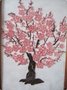 Another example of quilling art depicting a tree with spring blossoms -stranamasterov.quilled cherry tree - for Christina - could put in on a layout - I have a tree dieCould use bottle bottoms and goBeautiful tree all in bloom! Origami And Quilling, Quilled Paper Art, Paper Quilling Designs, Quilling Paper Craft, Quilling Craft, Quilling Patterns, Paper Crafts, Quilling Ideas, Diy And Crafts