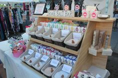 This is a well thought out display.  Can get lots of product on it neatly.