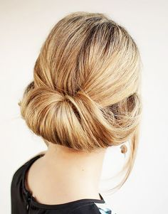 30 days of updos 30 up-dos I want pretty: HAIR - Peinados/ Chongos con trenzas. Hair Romance - 30 Buns in 30 Days - Day 27 - Ro. Easy Hairstyles For Medium Hair, Work Hairstyles, Holiday Hairstyles, Pretty Hairstyles, Medium Hair Styles, Long Hair Styles, Unique Hairstyles, Hairstyles Videos, Style Hairstyle