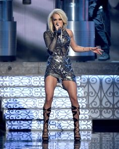 Carrie Underwood Singing in This Mini Dress Was the Sexiest Thing We've Seen All Week