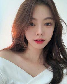 Korean Beauty Girls, Pretty Korean Girls, Cute Korean Girl, Asian Beauty, Asian Girl, Cute Instagram Pictures, Korean Girl Photo, Girl Korea, Ulzzang Korean Girl