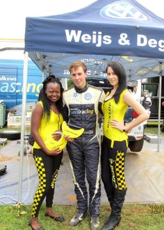 Dunlop always takes some time to catch up and congratulate the racers after their rally.