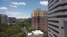 Vista de Avenida las Américas desde zona 14, Guatemala