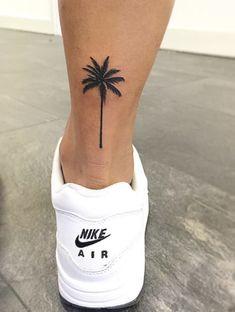 Tattoo Ideen Frauen - Palm Tree Tattoo Frauen Basteln mit Kindern Herbst Please visit our website for Mini Tattoos, Trendy Tattoos, Leg Tattoos, Tattoos For Women, Tattos, Tattoo Women, Woman Tattoos, Arrow Tattoos, Tattoo Girls