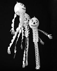 Last-Minute Halloween Ballon Dekor - super machen Halloween Balloons, Fete Halloween, Halloween Crafts For Kids, Halloween Projects, Holidays Halloween, Spooky Halloween, Vintage Halloween, Happy Halloween, Halloween Decorations