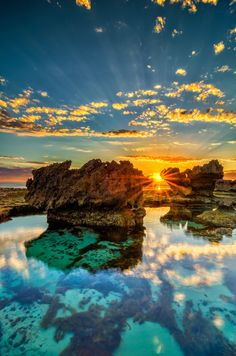 The Crags - Port Fairy, Victoria, Australia Wonderful Places In The World Beautiful Sunset, Beautiful World, Beautiful Places, Beautiful Scenery, Beautiful Pictures, Places To Travel, Places To See, Travel Destinations, Places Around The World