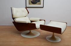 Mid-century modern lounge chair and ottoman