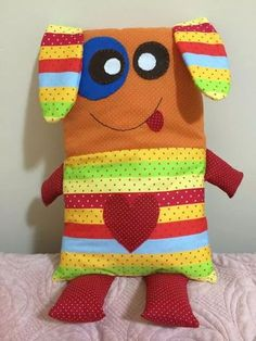 Sewing Pillows Animals Fabrics 19 Ideas For 2019 Sewing Patterns For Kids, Sewing Projects For Kids, Sewing For Kids, Doll Patterns, Fabric Toys, Fabric Crafts, Sewing Crafts, Sewing To Sell, Sock Dolls