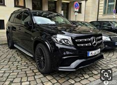 Mercedes Benz is 63 amg - Exotic Cars Mercedes Auto, Mercedes Benz Coupe, Mercedes Benz Gl Class, Benz Suv, Mercedes Benz Autos, Top Luxury Cars, Luxury Suv, Mercedez Benz, Lux Cars