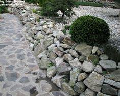 zíďka z drobného kamene