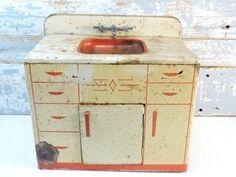 Toy Sink WOLVERINE 1940's Tin Litho Toy by SexyTrashVintage