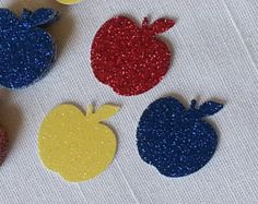 Red Apple & Gold Crown Confetti 50 Pieces by ImagineCelebrations