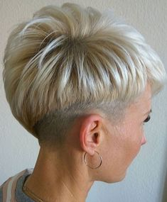 Hair Beauty - shorthairstyles-Short hair styles, short hairstyles for women, short hairstyle women, short bob hairstyles shorthair shorthairstyles Chic Short Hair, Short Grey Hair, Cute Hairstyles For Short Hair, Short Hair Cuts For Women, Hairstyles Haircuts, Short Hair Styles, Short Ombre, Pixie Haircuts, Trendy Hair