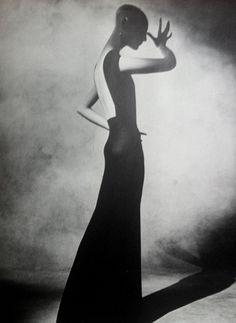 THE MASTER: Irving Penn. Inventive Paris Clothes 1909-1939 [The Viking Press, 1977]