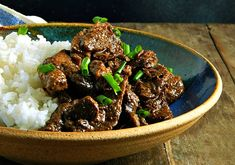 Beef Rendang - Indonesian Curry is surprising in its intensity. It's multiple layers of flavor in this tender beef dry curry. Fruit Recipes, Veggie Recipes, Asian Recipes, Beef Recipes, Punch Recipes, Asian Foods, Veggie Food, Indonesian Food, Indonesian Recipes