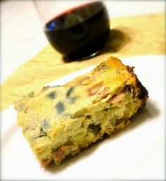 Slow cooker Ham & Sweet Potato Frittata is my favorite quick fix meals on Sunday morning. I toss everything into the pot and let it cook while at the gym. Crock Pot Slow Cooker, Slow Cooker Recipes, Paleo Recipes, Real Food Recipes, Crockpot Recipes, Cooking Recipes, Paleo Meals, Paleo Diet, Paleo Breakfast