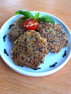 Vill bara ge ett lite tips på vad du kan göra om du skulle få över quinoa från detta recept. Självklart kan du säkert koka ny quinoa om du tycker att det låter som ett gott recept. Biffarna funkar …