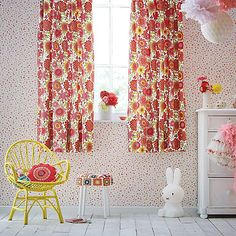 Bloomin Lovely retro flower curtains which bring the garden inside!