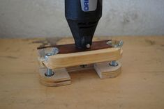 How to make a rotary tool Router. This is a attachment for a dremel Jet Woodworking Tools, Woodworking For Kids, Easy Woodworking Projects, Woodworking Patterns, Diy Projects For Kids, Crafts For Kids To Make, Kids Diy, Project Ideas, Dremel Projects